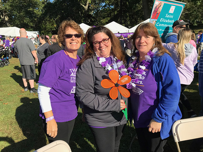 photo of the group who participated in the alzheimers walk